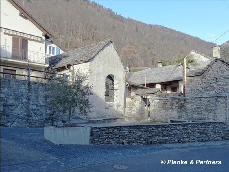 Image 0 - The Cavigliano wine press