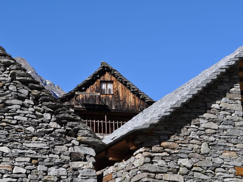 Image 2 - Le village de Brontallo