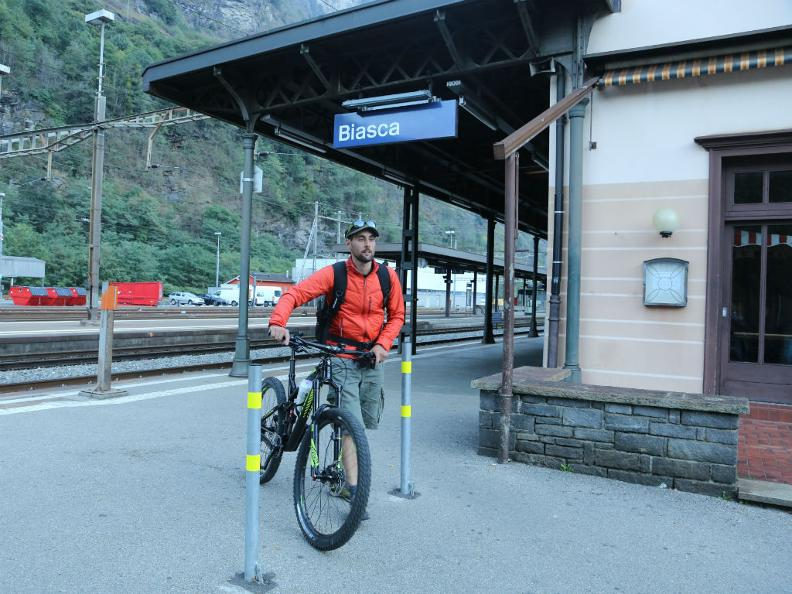 Image 0 - Free bicycle transportation from Ticino to the station of your choice.