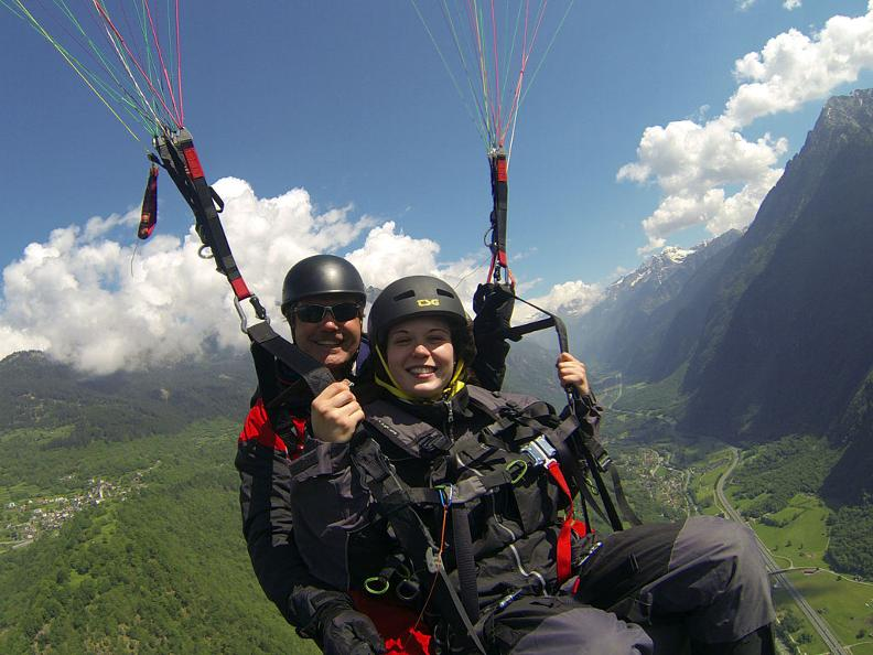 Image 0 - Fly & smile, tandem paraglider flights in Ticino