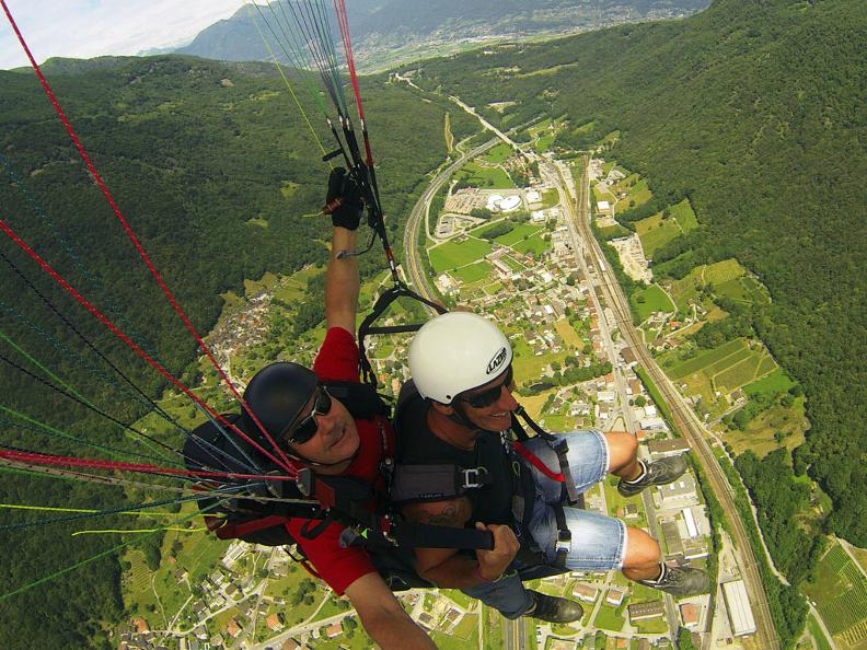 Image 1 - Fly & smile, tandem paraglider flights in Ticino