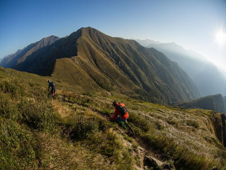 Image 0 - Ticino Freeride: two wheels, one love!