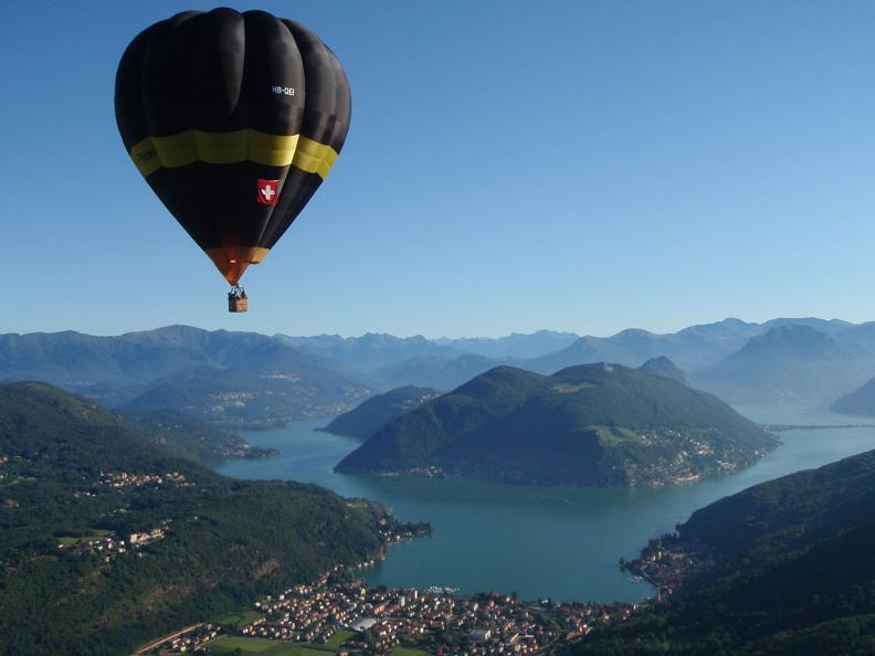 Image 1 - In the sky over the Ticino, balloon and airship flight around the year