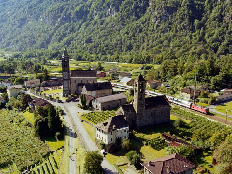 Image 5 - Gotthard Panorama Express