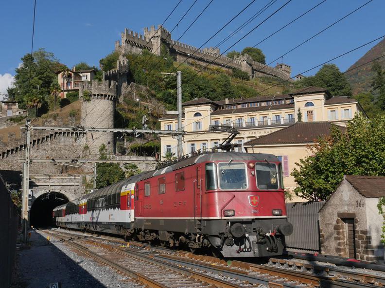 Image 6 - Gotthard Panorama Express