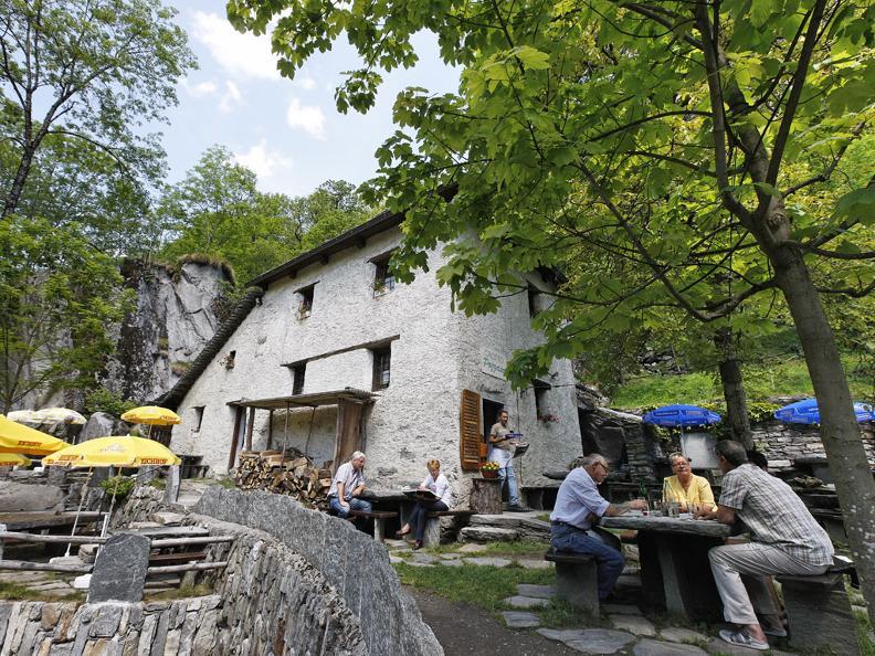 Image 2 - Il grotto ticinese