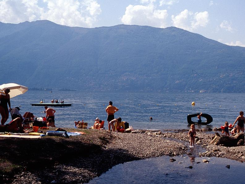 Image 0 - Public beach of Gerra Gambarogno
