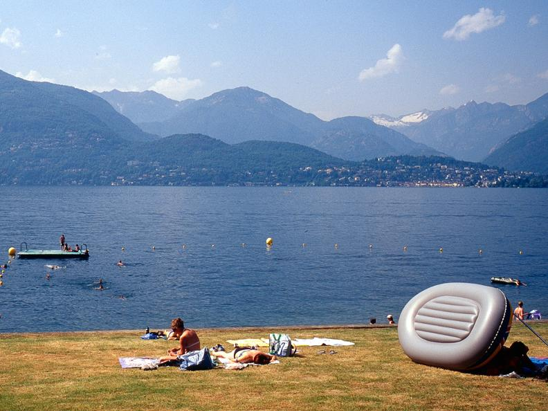 Image 2 - Public beach of Gerra Gambarogno