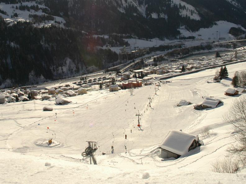 Image 4 - Skier à Airolo-Lüina