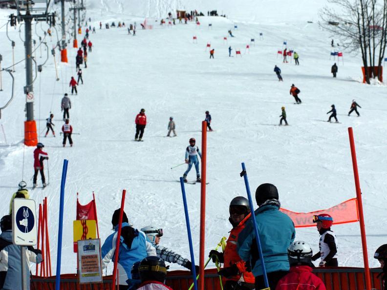 Image 3 - Skier à Airolo-Lüina