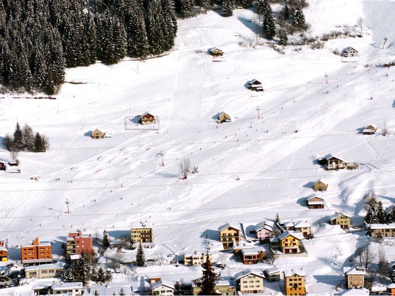 Image 5 - Skier à Airolo-Lüina