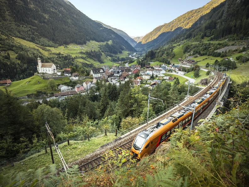 Image 4 - Treno Gottardo - Südostbahn