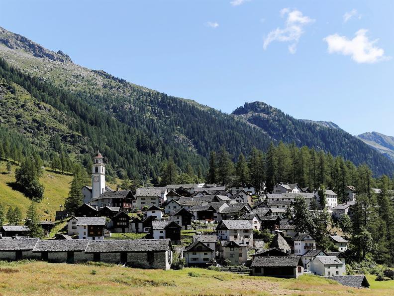 Image 4 - Bosco Gurin - estate