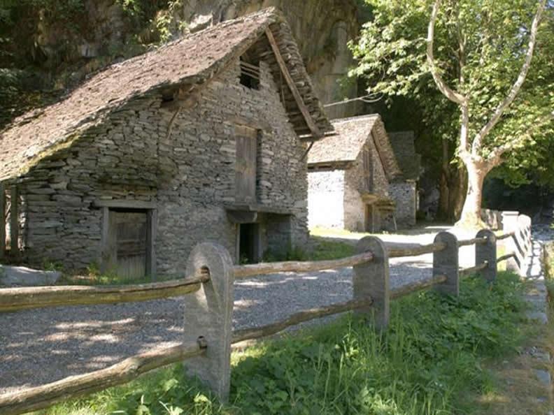 Image 2 - Cevio: houses, gardens, squares and grotti