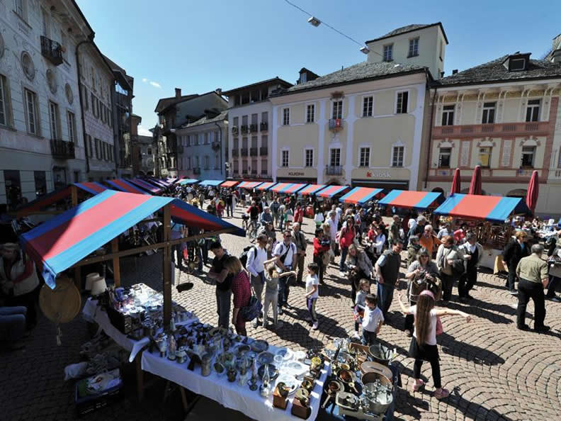 Image 0 - The markets in Ticino