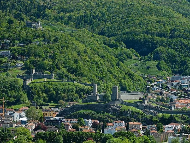 Image 0 - Bellinzona: the city of Castles