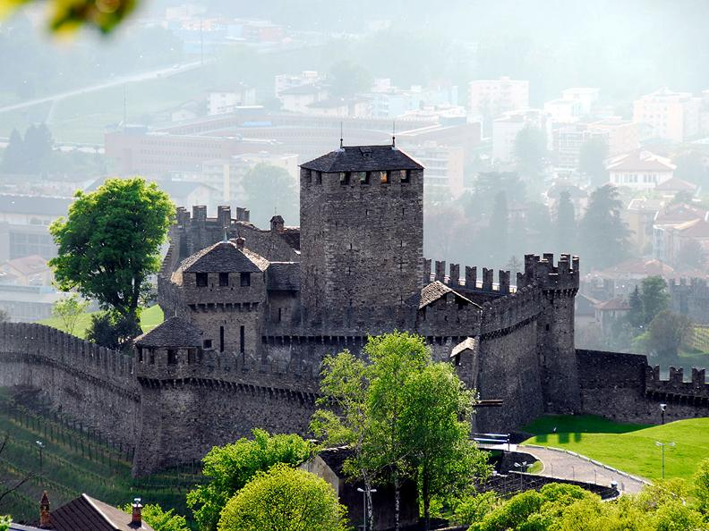Image 9 - Bellinzona: the city of Castles