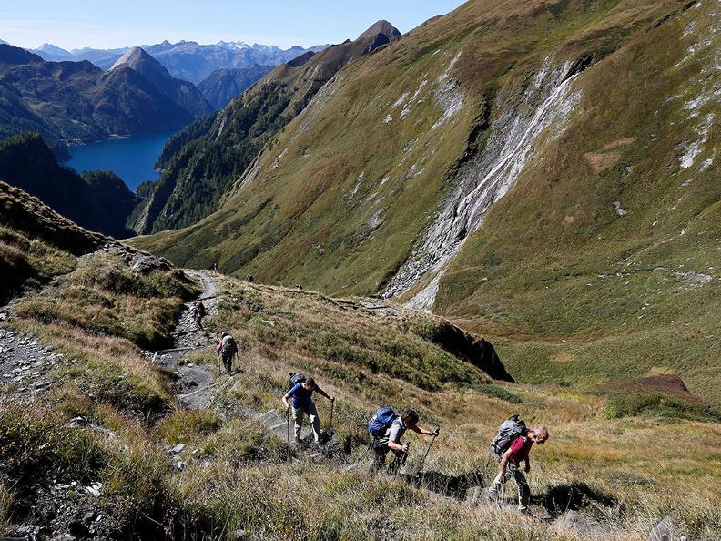 Image 1 - Wanderferien: Alpenpässe Weg, Olivone - Ulrichen