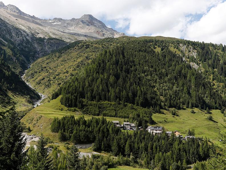 Image 3 - Wanderferien: Alpenpässe Weg, Olivone - Ulrichen