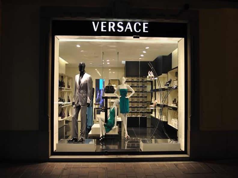 Image 1 - Shopping ins Tessin
