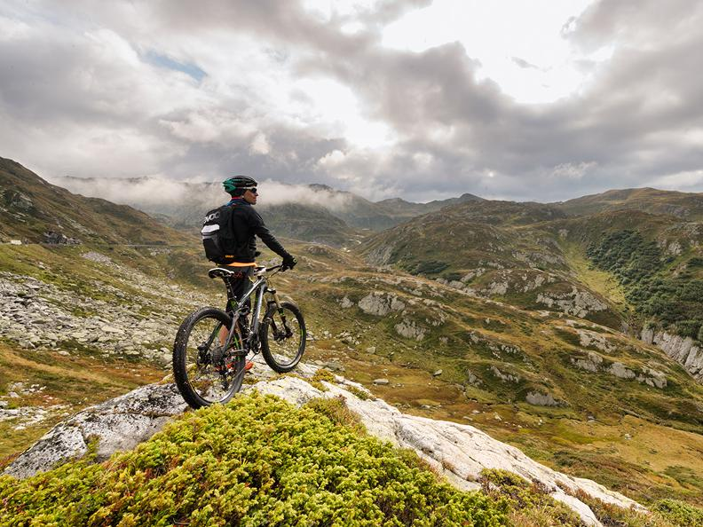 Image 3 - Biking holidays: Gottardo Bike