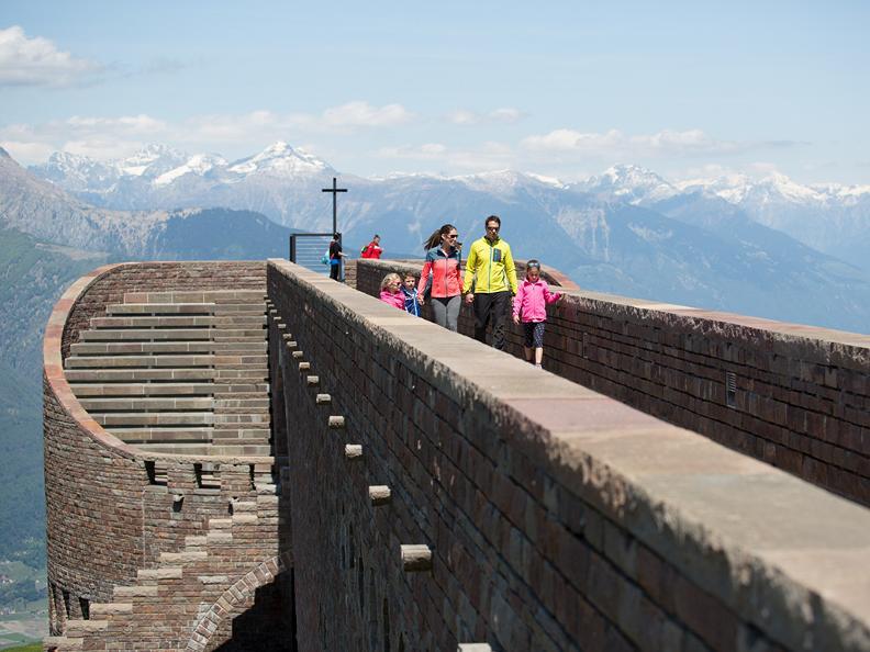 Image 1 - Hiking holidays: Sentiero Lago di Lugano