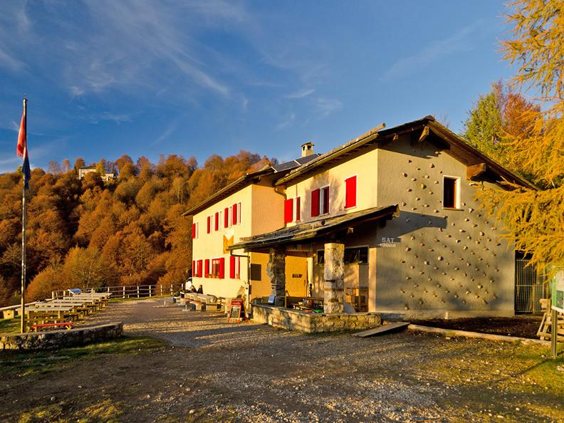 Image 5 - Hiking holidays: Sentiero Lago di Lugano