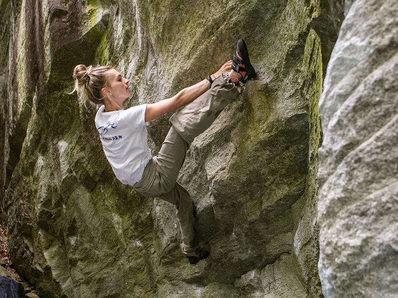 Image 5 - Bouldering in Ticino