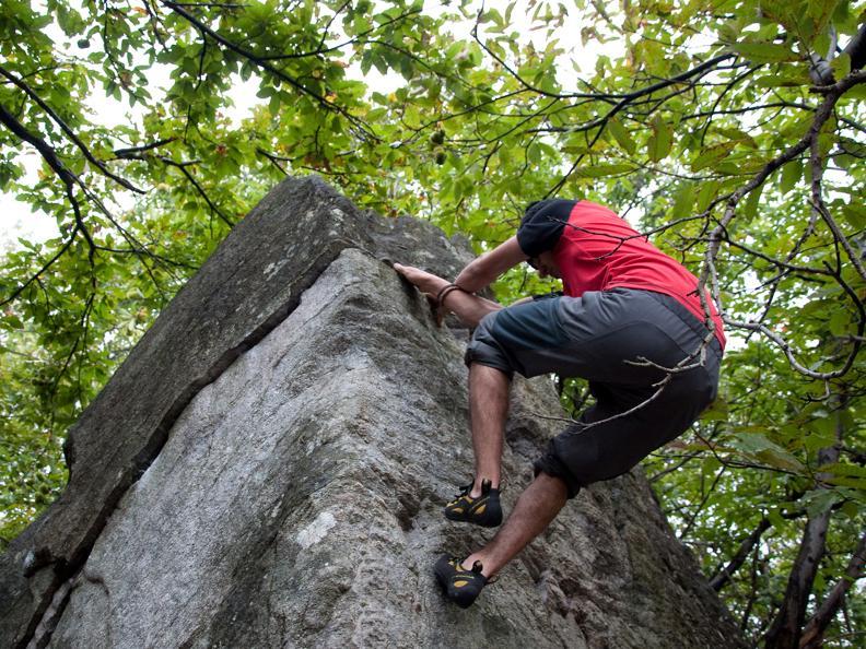 Image 1 - Bouldering