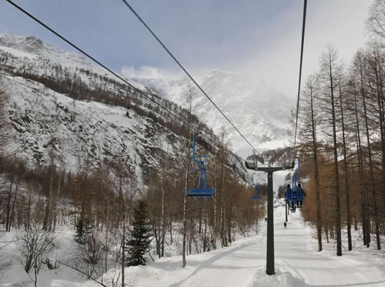 Image 1 - Anzasca Valley: ski at the foot of Mount Rosa