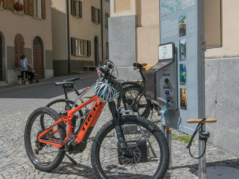 Image 0 - E-bike charging point Bed&Bike Tremola San Gottardo