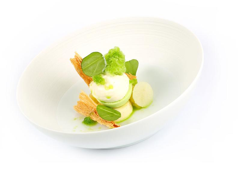 Image 0 - Ticinese sheep yoghurt with green apple and iced sorrel - The recipe