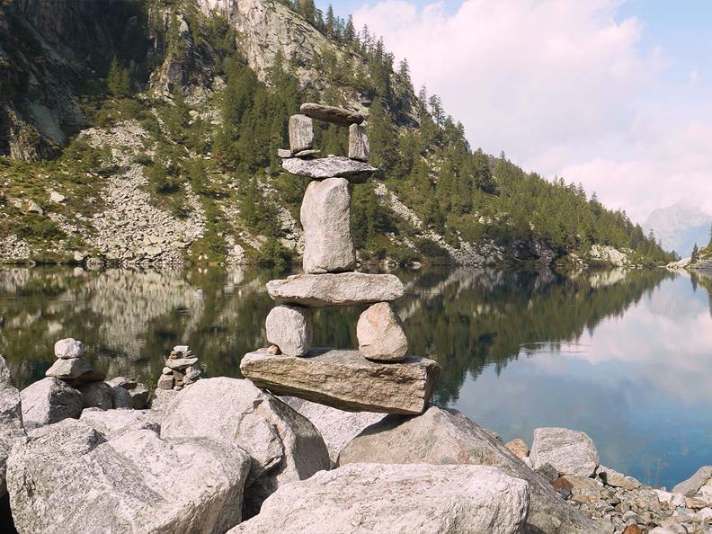 Image 0 - Bergsee von Tomeo