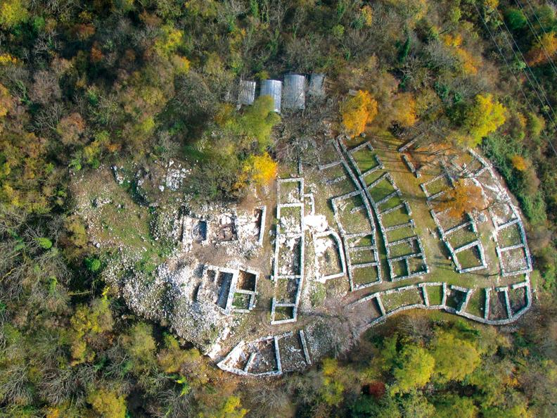 Image 1 - Discover the Tremona-Castello Archaeological Park with Morsetta