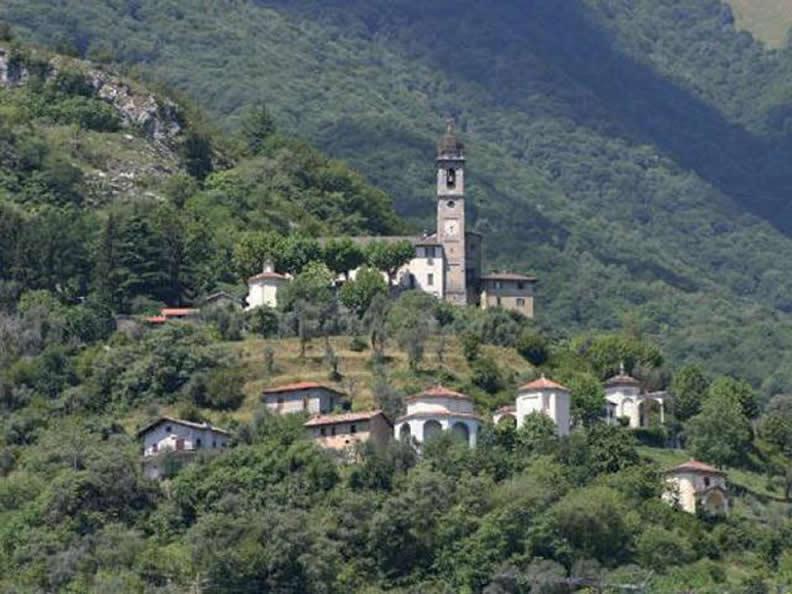 Image 0 - Ossuccio, the Sacred Mount