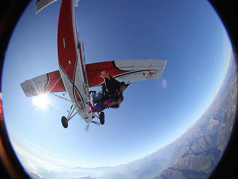 Image 1 - Skydiving in Locarno