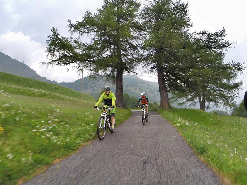 Image 2 - bikesteiger.ch - Guided mountain bike tour in the Blenio Valley: Dötra