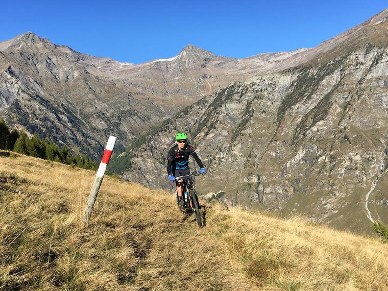 Image 0 - bikesteiger.ch - Guided mountain bike tour in the Blenio Valley: Val Malvaglia Tour