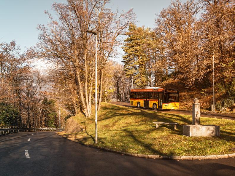 Image 1 - Unterwegs mit dem Postauto
