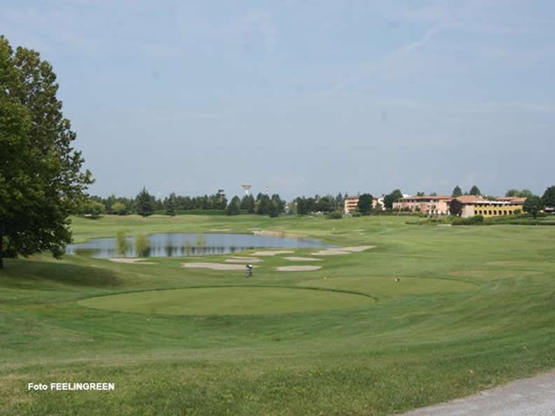 Image 2 - Golf Club Le Robinie