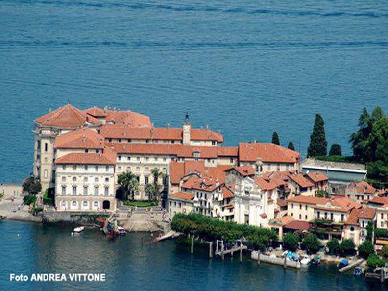 Image 2 - Isola Bella: the Borromeo Palace and Gardens