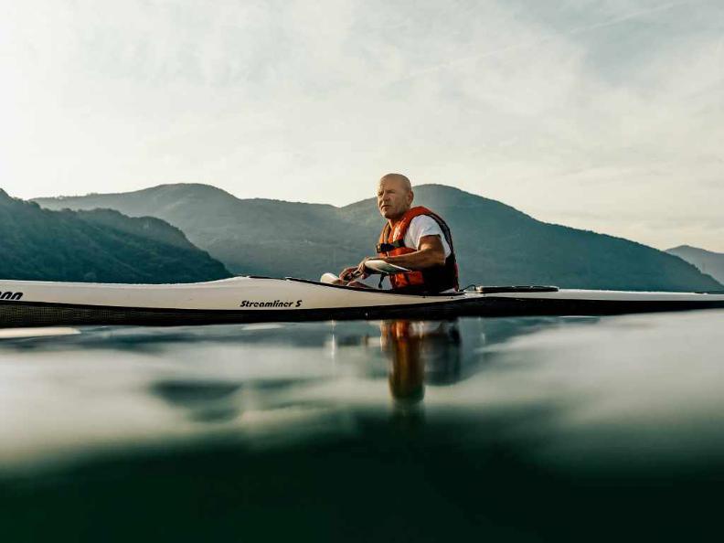 Image 0 - Kayak Lugano