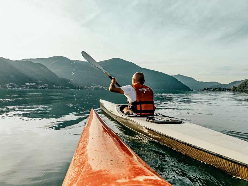 Image 2 - Kayak Lugano