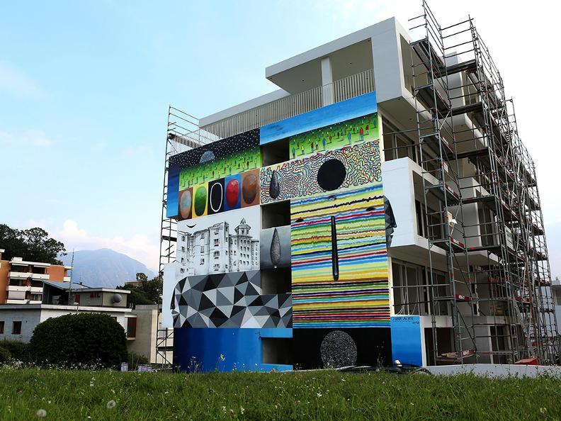 Image 3 - Street art Tour