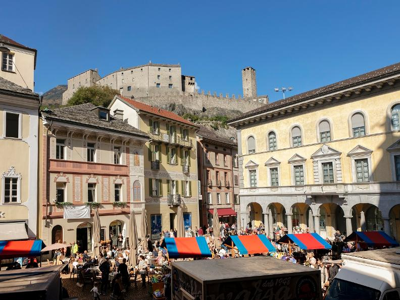 Image 2 - The market of Bellinzona