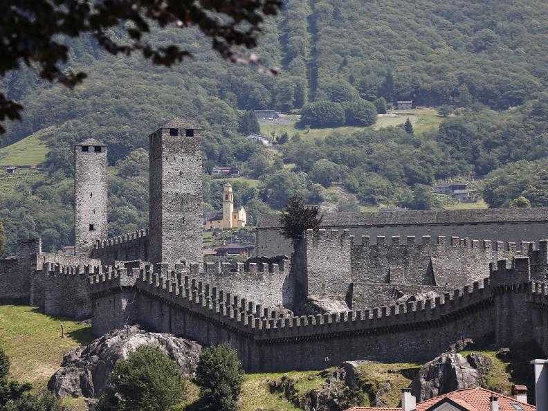 Image 8 - I tre castelli medievali di Bellinzona