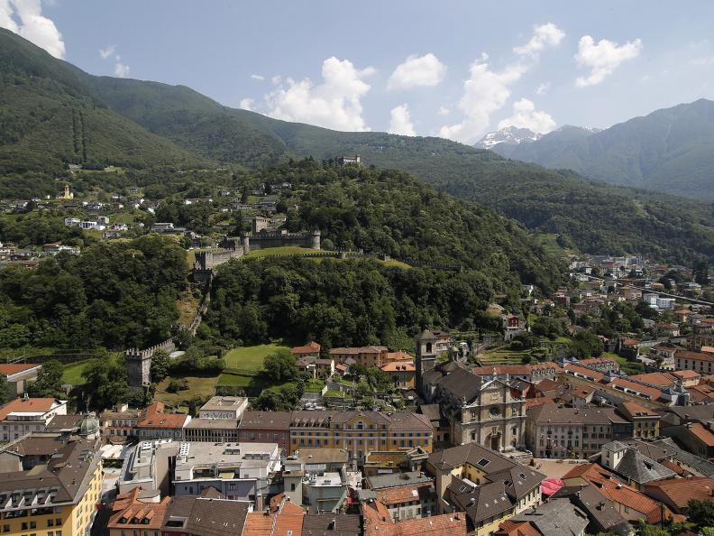 Image 10 - I tre castelli medievali di Bellinzona