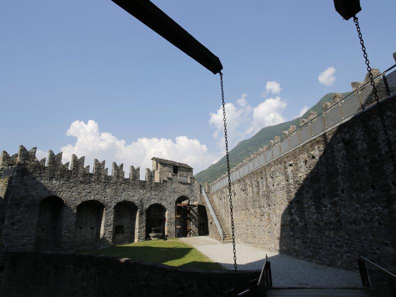 Image 3 - Die drei mittelalterlichen Burgen von Bellinzona