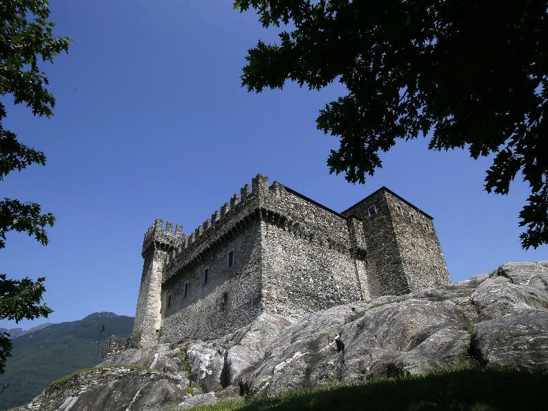 Image 0 - Die drei mittelalterlichen Burgen von Bellinzona