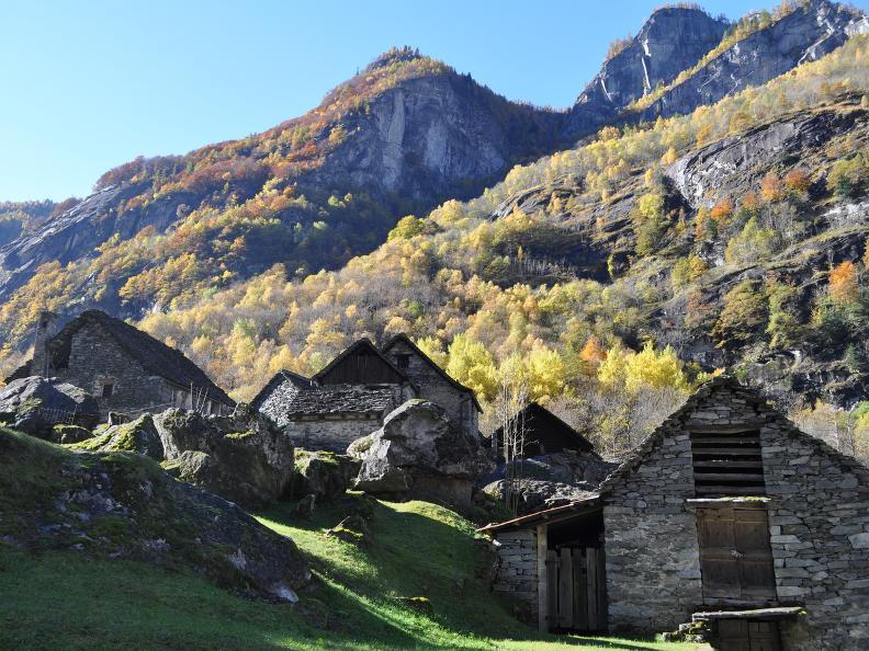 Image 5 - Val Bavona: Sonlerto - Waterfall of Foroglio - Bignasco